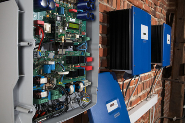 Remplacement et installation d'onduleurs photovoltaïques